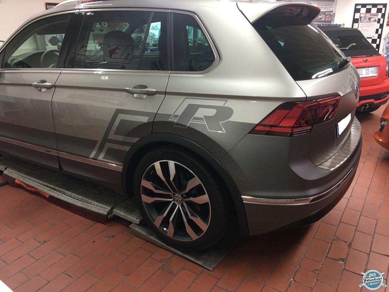 Teilfolierung - VW Tiguan R Line - DGS-Wrapping & Foliendesign