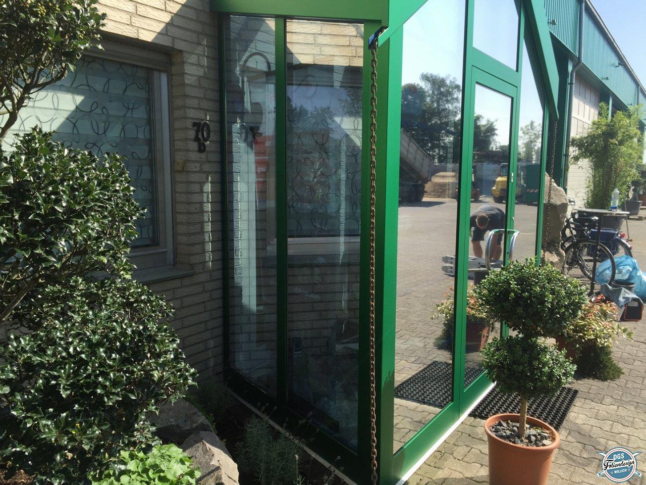 window films garten und landschaftsbau poscher dgs wrapping foliendesign. Black Bedroom Furniture Sets. Home Design Ideas